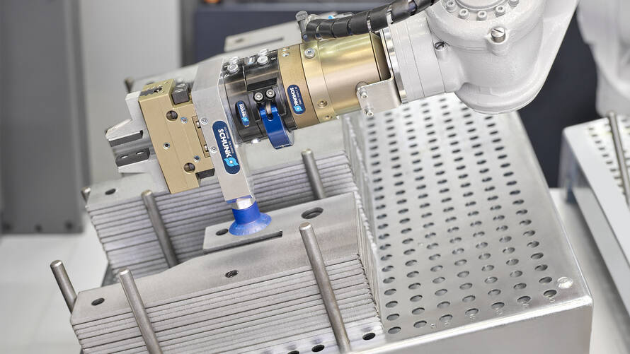 Sufficient space for varying parts: The Mobile Bending Cell's intake station for raw parts can be adapted flexibly by the user.